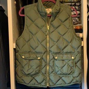 Green Woolrich Puffy Vest